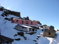 Tungnath Shrine with few place to stay for priests