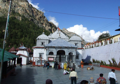 2000 pilgrims visits Gangotri on first day