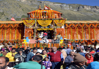 Flood of devotees in Badrinath, numbering 6 lakh 50 thousand in 46 days