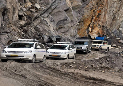 Kedar Dham Yatra suspended Due to Heavy rain