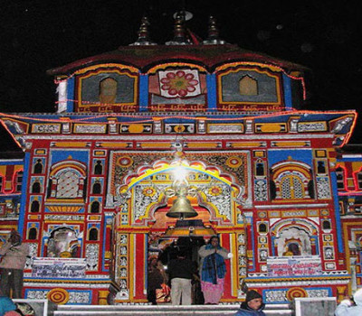 Puja at Badrinath temple get costlier, Prasad on ringal basket