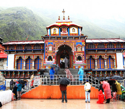 CM to review preparedness on Char Dham Yatra by travel