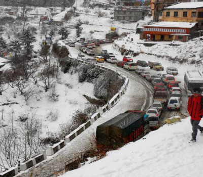 Heavy Snowfall in Badrinath and Hemkund
