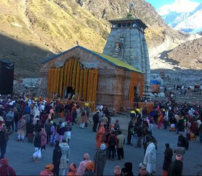 Kedarnath Temple will be decorated with local flowers, ban on plastic flowers