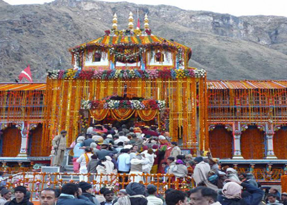 Portals of Badrinath Temple close for winters today