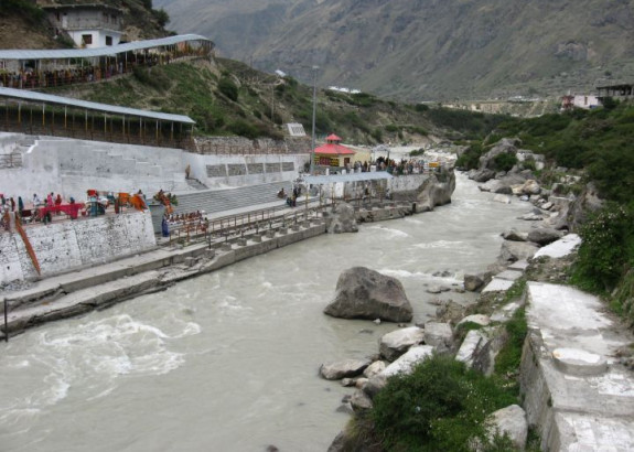 Agreement Signed to develop Ghats, crematoria in Badrinath & Gangotri