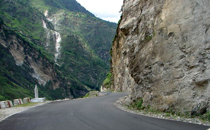 Road towards Badrinath