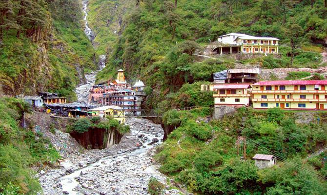 Landslide hit Surya Kund in Yamunotri