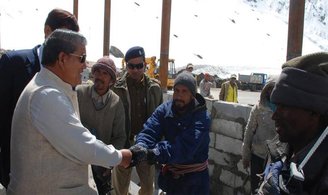 CM Rawat visit Kedarnath to review reconstruction work