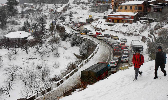 Snow spell in Badrinath, Hemkund and on the peaks of Kumaun