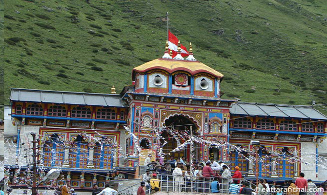 Tehri DM reviews Char Dham Yatra preparations