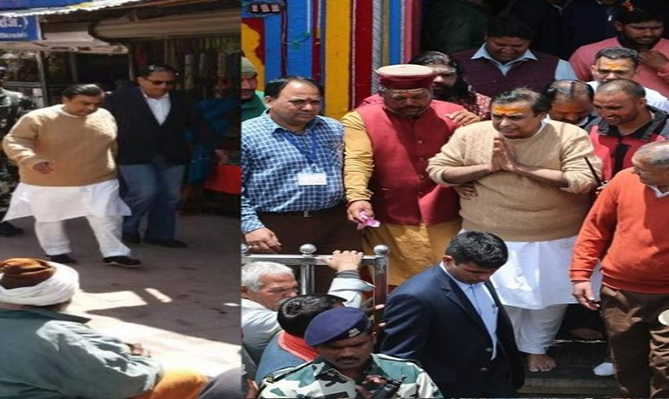 Mukesh Ambani visited Badrinath-Kedarnath