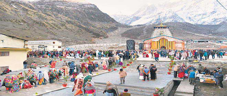 Long queue of pilgrims outside Kedarnath Temple