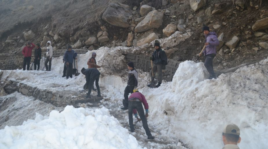 NIM removing snow from trek route to Kedarnath